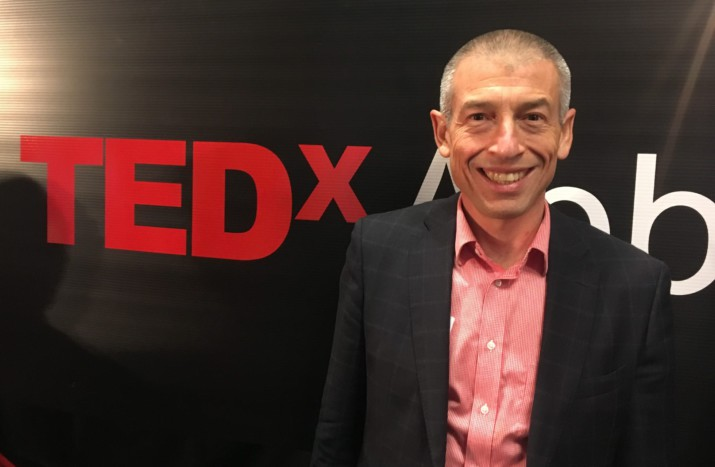 Dan Levitt is an acclaimed international speaker, elder care leader, writer, and gerontologist, specializing in helping others to create better lives for seniors.